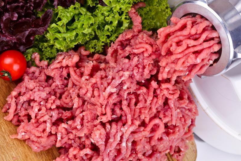 Elimine los alimentos procesados y los productos cárnicos de su dieta.
